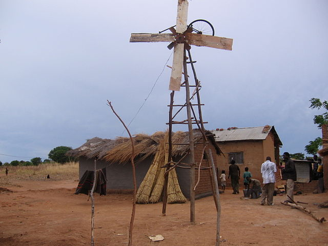 640px-William_Kamkwambas_old_windmill.jpg